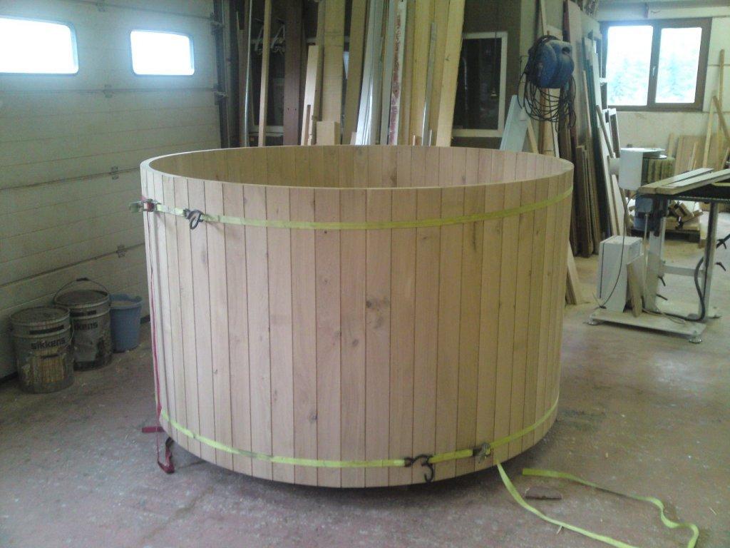 bain nordique en c dre menuiserie. Black Bedroom Furniture Sets. Home Design Ideas